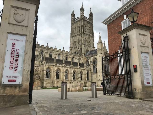 Gloucester Cathedral Automatic Bollard System
