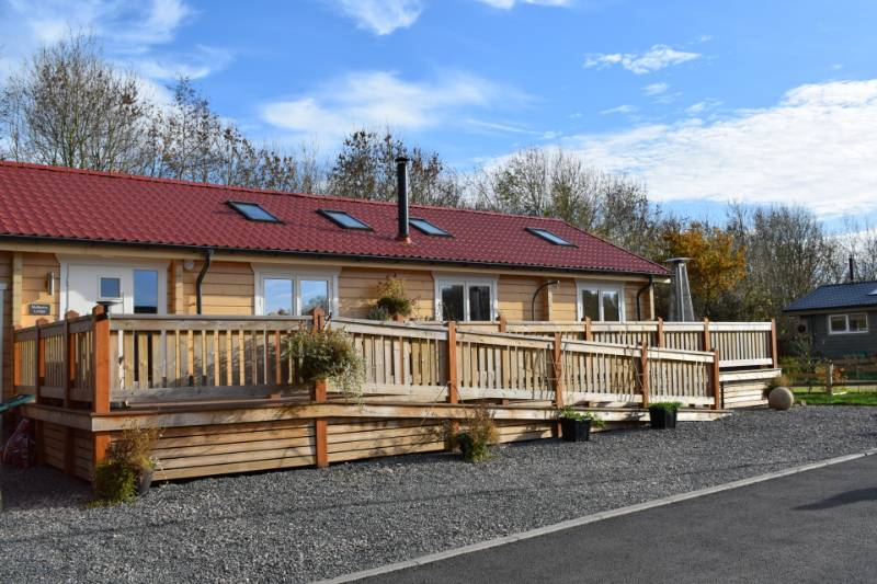 Wooden Lodges with Electrical Control - East Midlands