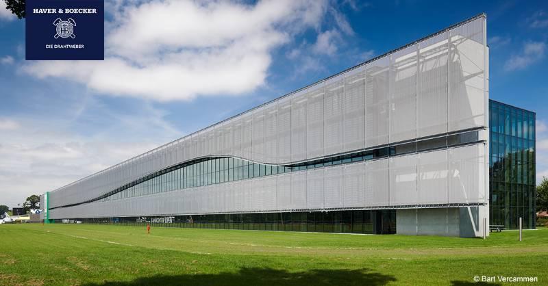 FACQ - A wire mesh facade for sun protection