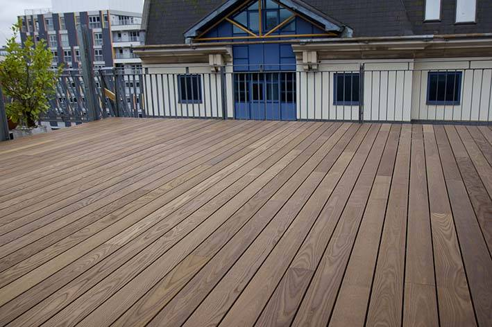 Grad `Hidden Fixing` Decking System Project