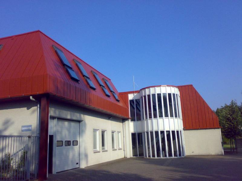 Metal Cladding of Commercial Building Coated with Noxyde