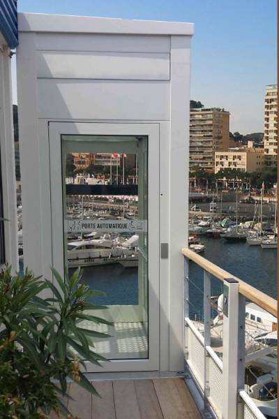 Shorts-Ermhes EN81-41 Vertical Wheelchair Platform Lift VIVALIFT (Long Travel)