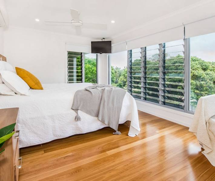 Large Family Home Maximising Beach-Side Views & Ventilation, QLD