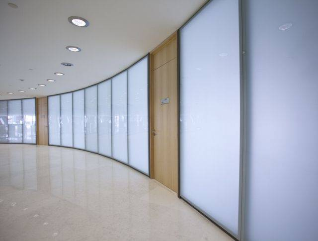 Life 137 Glass Partition