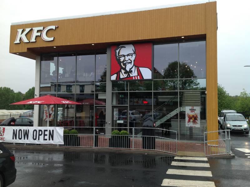 Accoya cladding for a KFC restaurant in Stourbridge