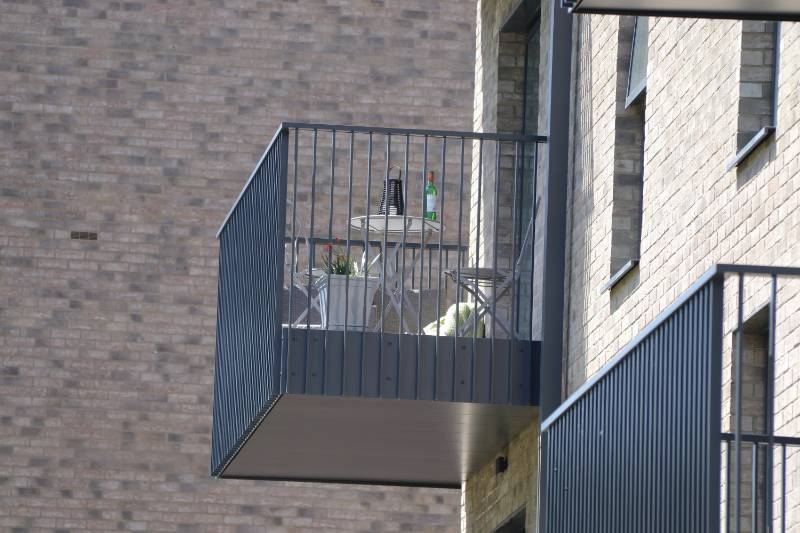 Glide-On Aluminium Cassette Balcony