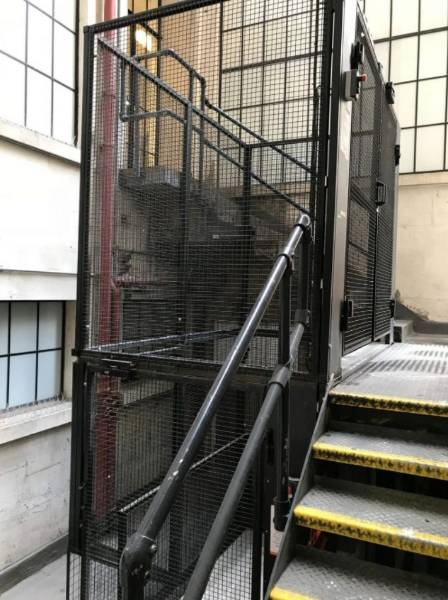 Lightwell Lift up to 1000 kg maximum working load