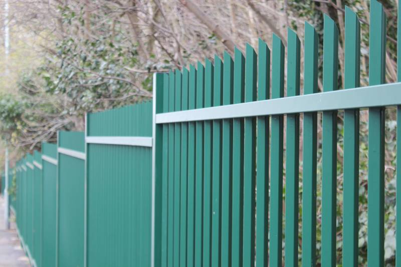 Vertical bar fencing provides stylish perimeter security solution for Gillingham Golf Club