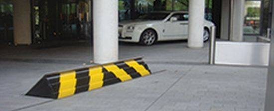 Parking Height Rising Kerb - With Surface Mount Technology Lift Height 300 mm