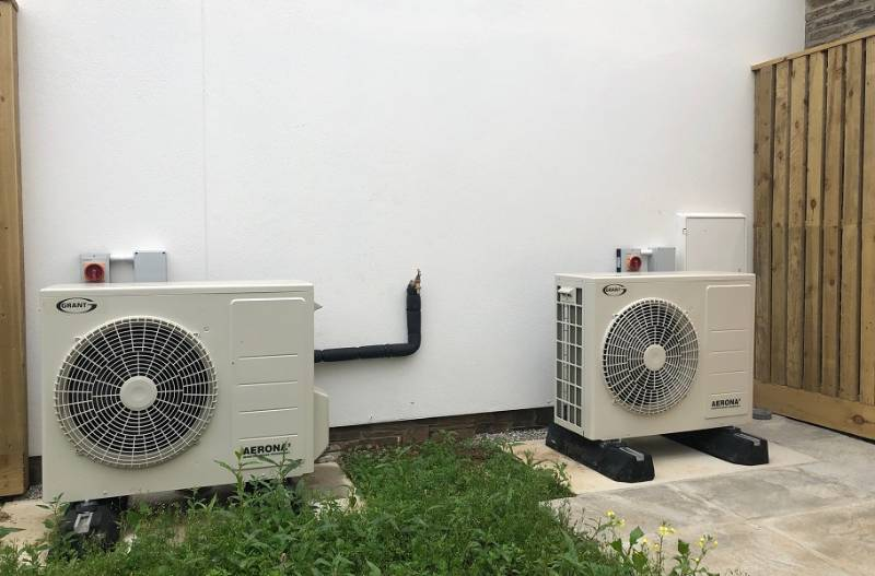 Six Aerona³ heat pumps, four flats, two houses, one sustainable development for locals