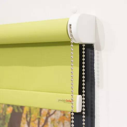 YewdaleDefiant® R20 roller blind with sidewinder mechanism