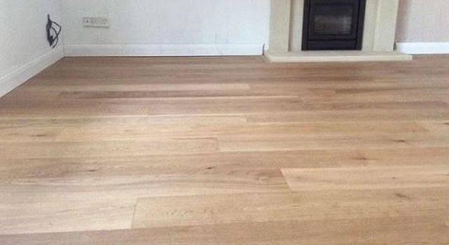Natural Brushed Engineered Oak Wood Flooring