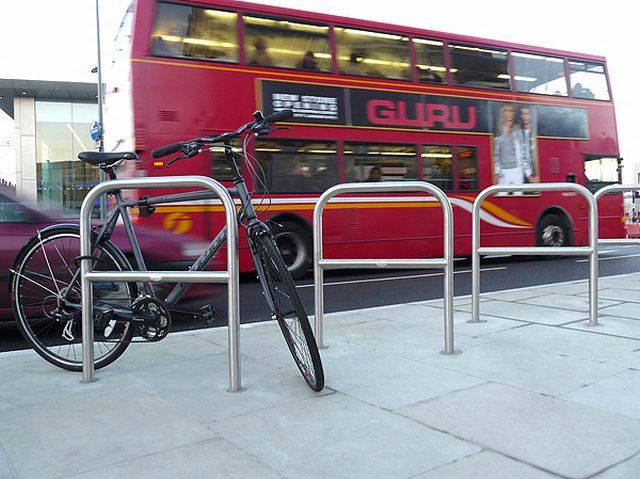 Zenith® Cycle Stand