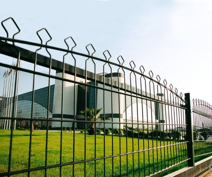 Decofor Arco - Metal mesh fence panel