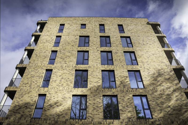 97 Optima windows by Profile 22 were manufactured and installed in a new seven-story residential development in Pelier Street, London.
