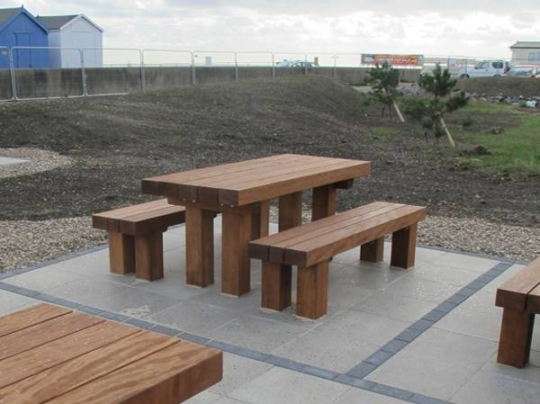 Cheshunt Picnic Benches and Table