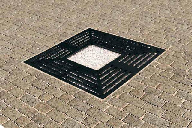 Imperial 60 Series Cast Iron Tree Grille