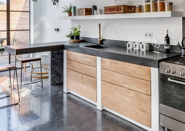 Pre-cast Concrete Worksurfaces and Furniture