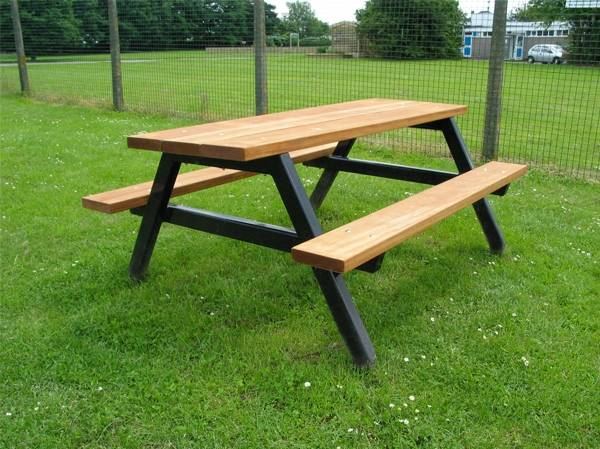 Ploughman Picnic Benches and Table