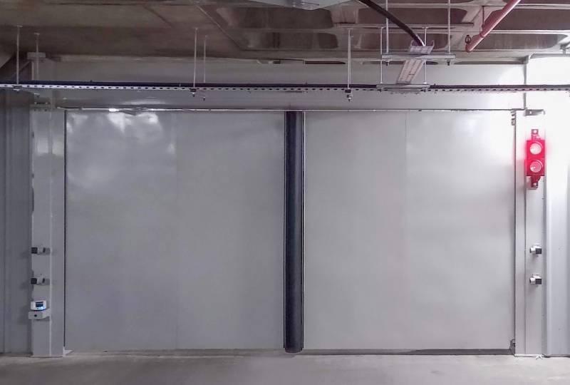 LPS1175 Platinum Bi-folding Gate with top guidance