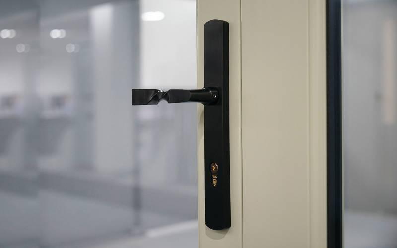 DURATIQUE™ - CO7100C DuraTique Villand Lever Door Handle on Backplate