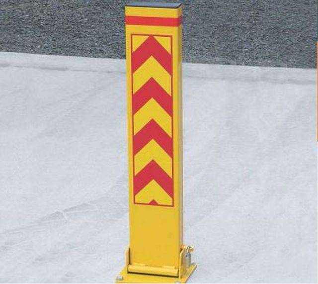 Fold Down and Collapsible Steel Bollards/ Barrier