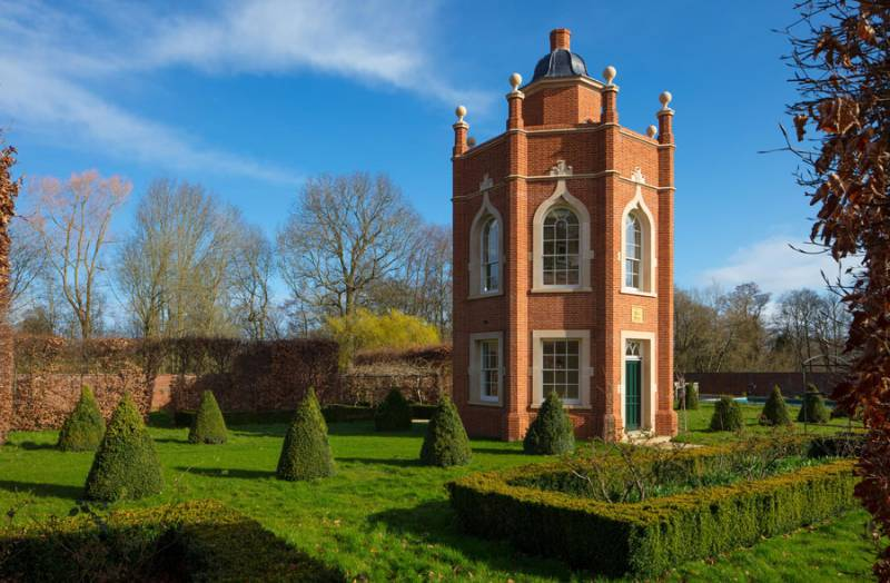 Wolverton Hall: The only Folly is to call it a Folly