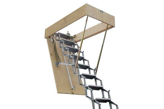 ZIP8 retractable ladder with trapdoor