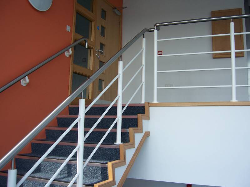 General Spectrum Balustrade System: Rail Infill 16 mm