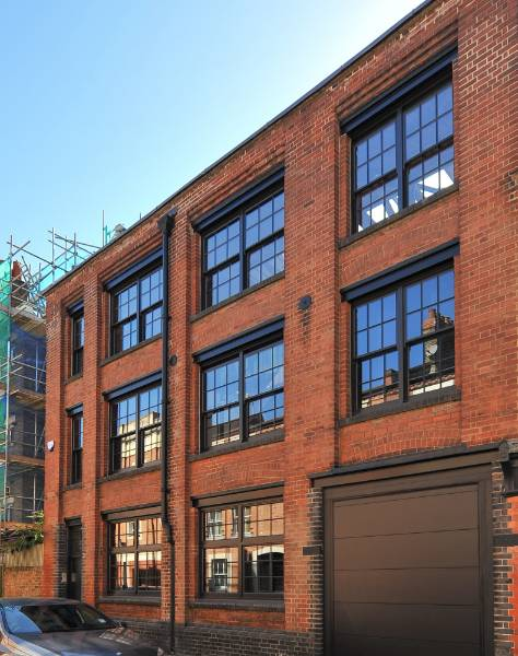 Accoya chosen for a warehouse restoration project in London