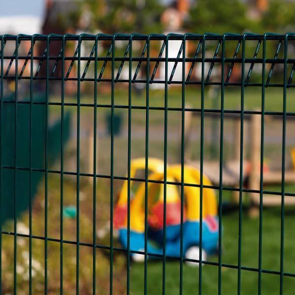 Rolltop + Bekafix Ultra - Metal mesh fence panel