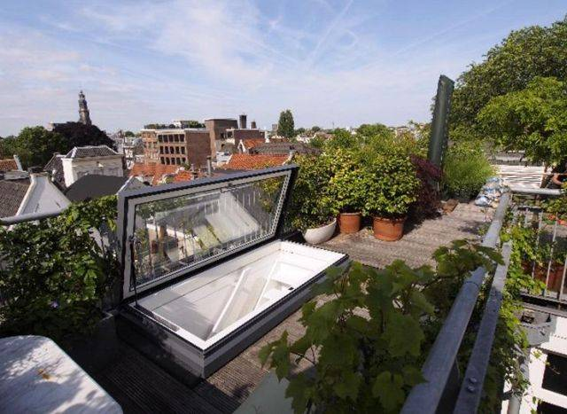 The Access Hatch Roof Window - Electric