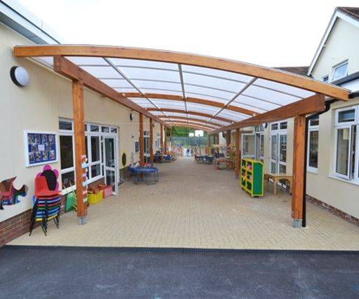 Tarnhow Curved Free Standing Timber Canopy - Polycarbonate Roof