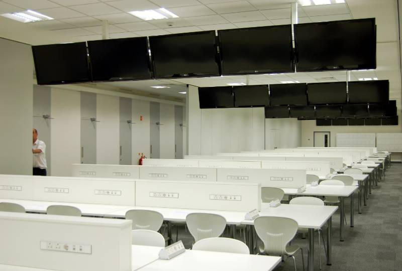 SILVERSTONE PARTITIONS SUPPORTED BY STYLE