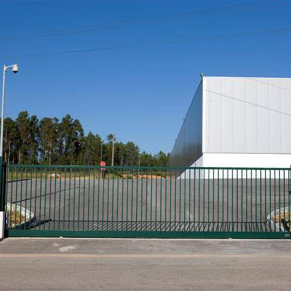 Robusta SQ 25 double swing gate
