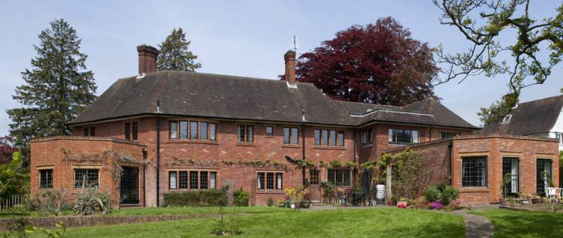 Spectacular local property completed with EB24 steel windows and doors