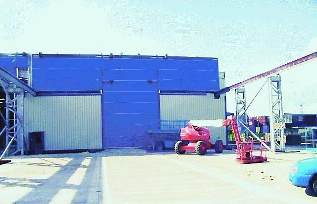Megadoor Crane Vertical Fabric Folding Door