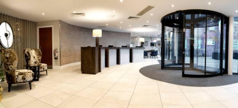 TIMELESS REVOLVING ENTRANCE FOR ELEGANT HOTEL