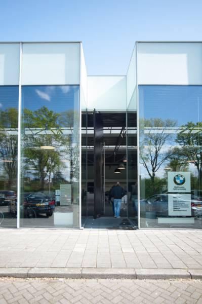 6metre High Fully Automatic Pivot Door, Aston Martin/BMW Dealership, Eindhoven