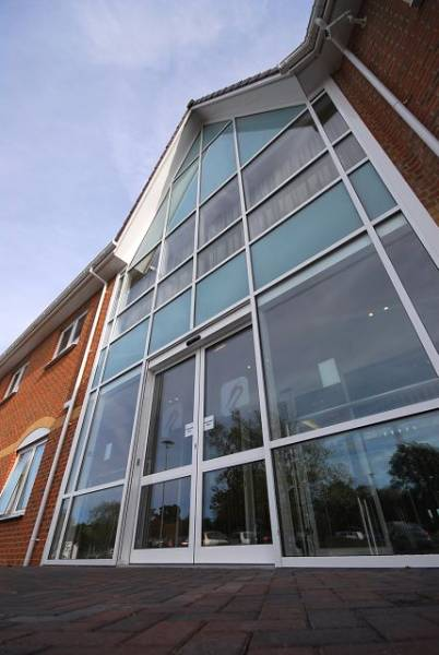GT55 NI Powered Sliding Commercial Door System
