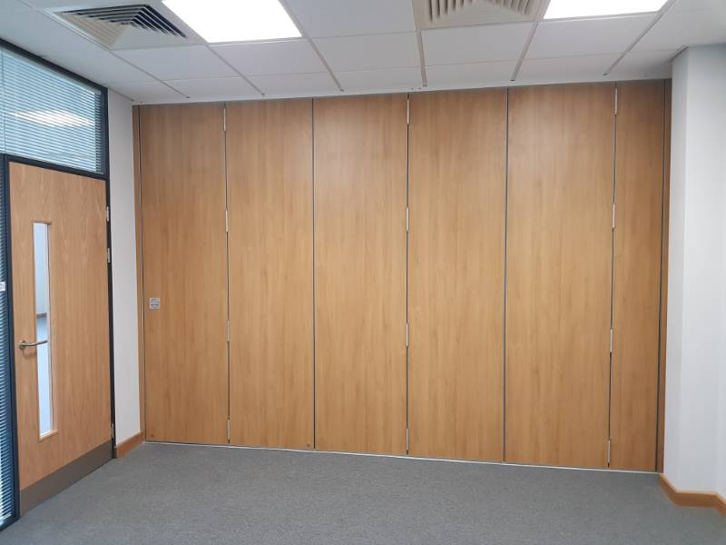 Fantastic Benefit of the Kudos Sliding Folding Partition