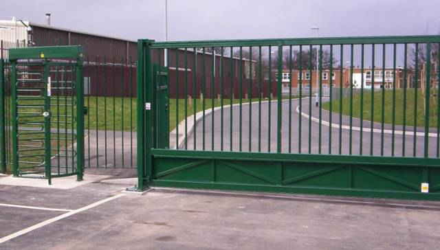 Type 1 Manual Sliding Gate