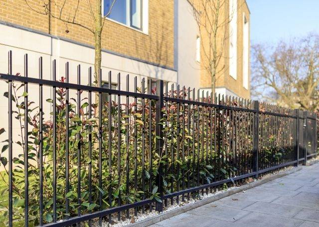 Barbican Imperial® Fencing