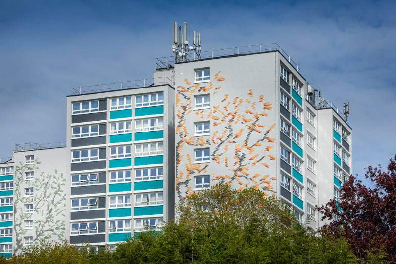 Profile 22 Fully Reversible Windows were specified in the refurbishment of 15 tower blocks in Bristol
