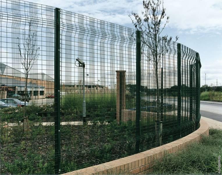 Paladin Classic + Twilfix- Metal mesh fence panel
