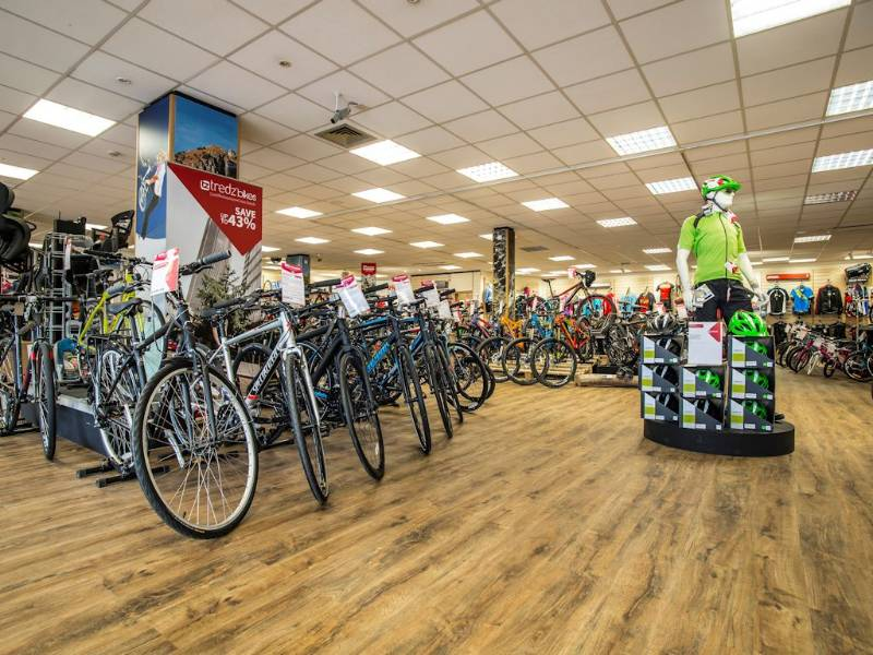 Polyflor's Affinity255 flooring rides high at Tredz cycle shop