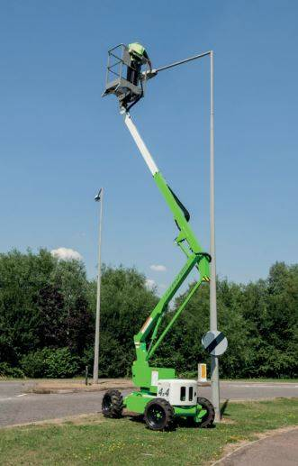 HR12 4x4 - Cherry picker