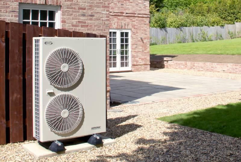 Luxury new build farmhouse welcomes Aerona³ heat pump