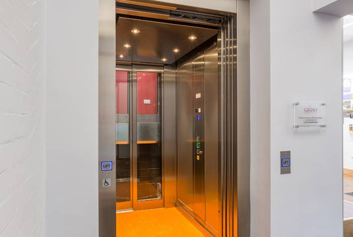Passenger Lift with Shallow Pit - Grand Theatre, Leeds