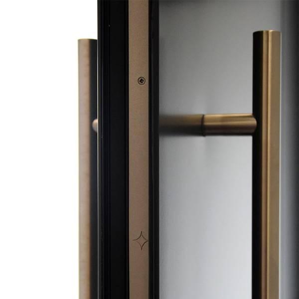 Smart Designer Door Looks Stunning with BLU HAB2 Inline T Bar Pull Handle